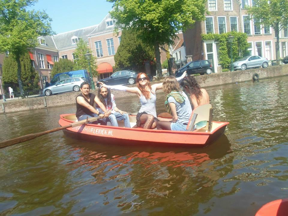 how to move to amsterdam