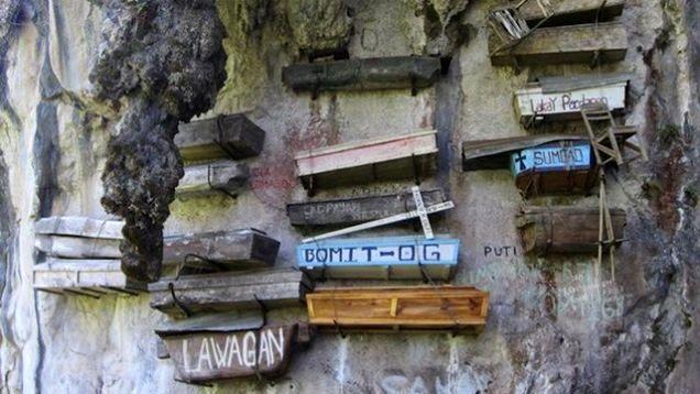 hanging-coffins