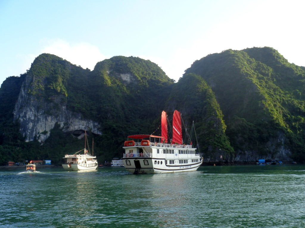Tips on visting Halong Bay