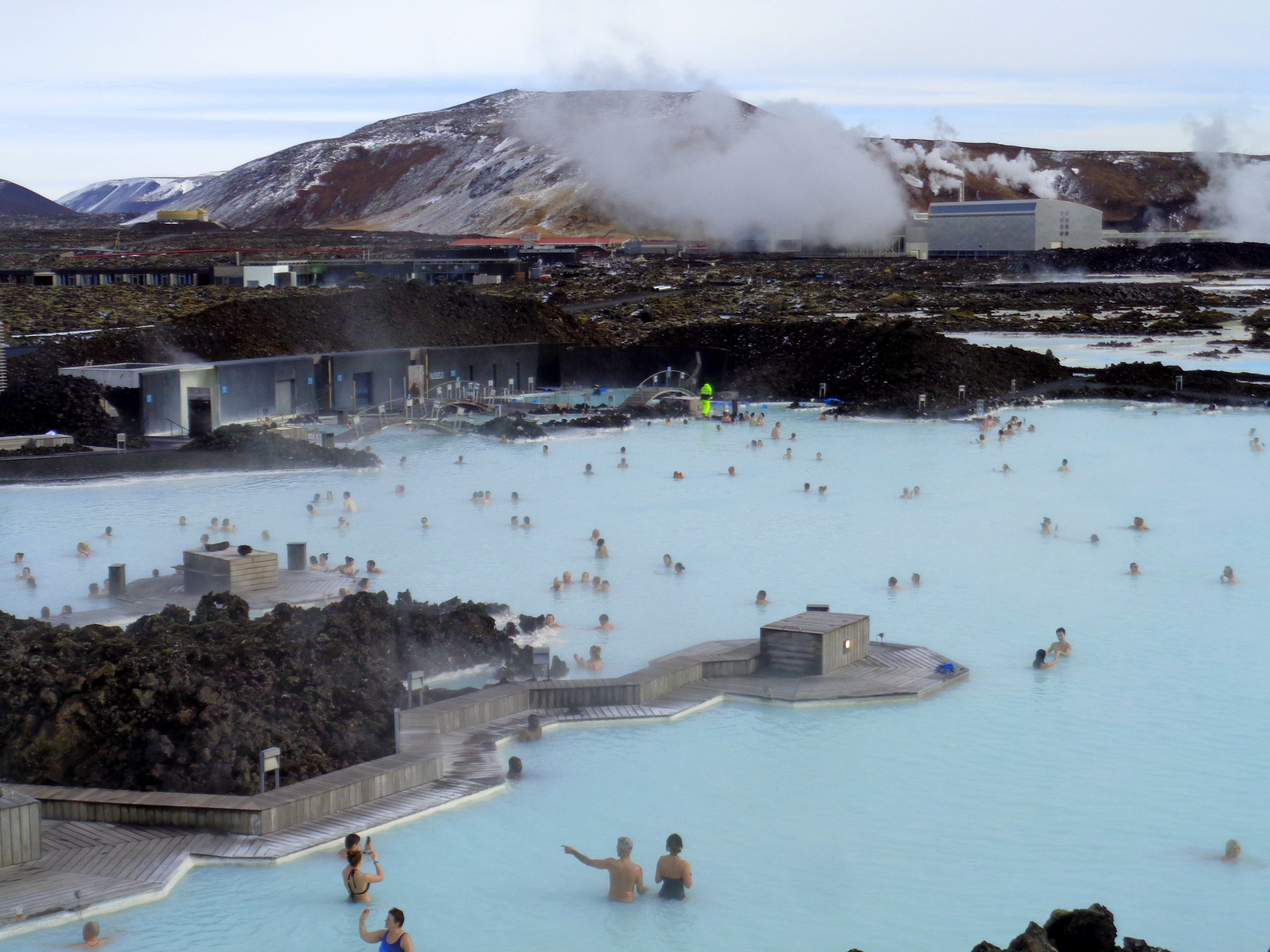 Tips for visiting the blue lagoon near reykjavik anna for Where is the blue lagoon in iceland