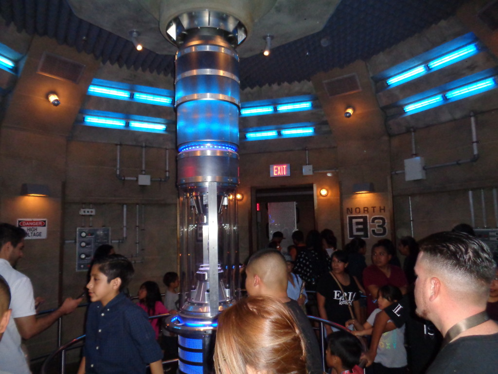 Huge line to Transformers ride