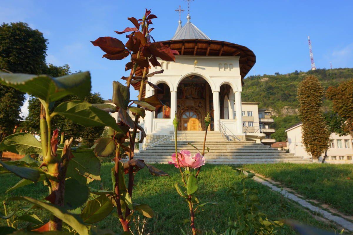 Piatra Neamt church