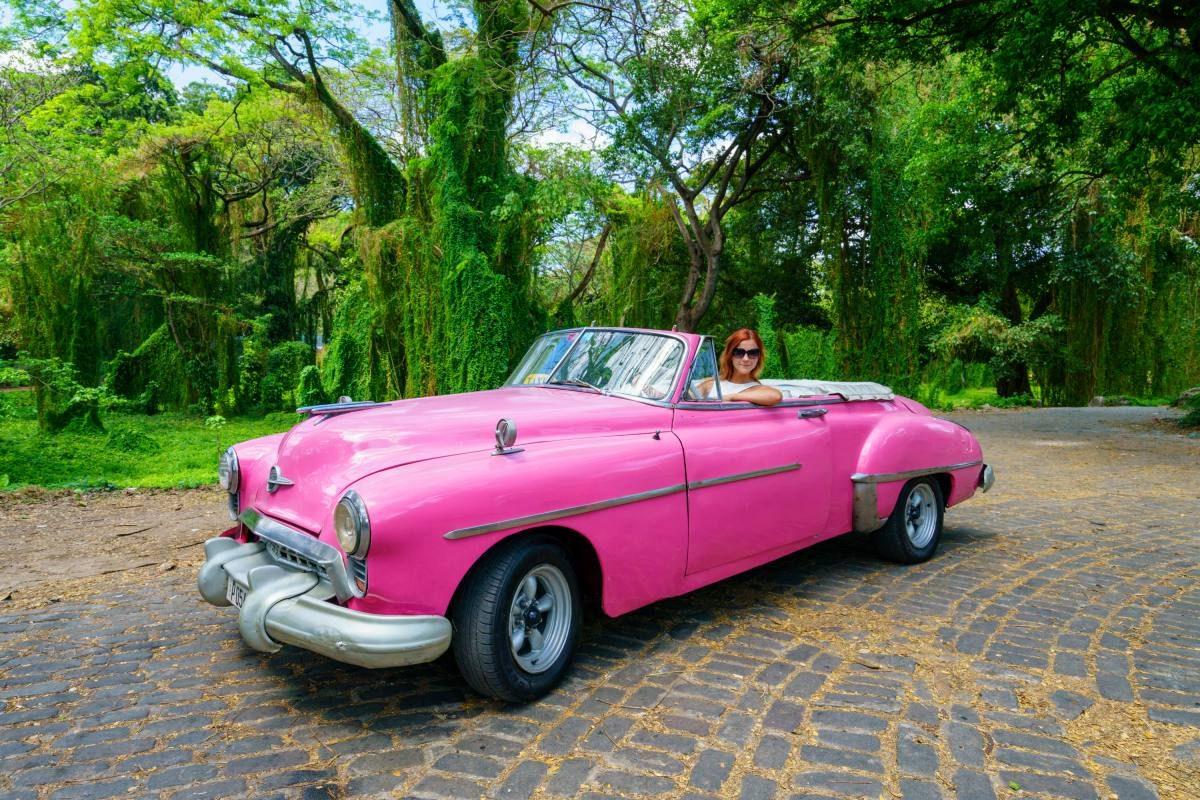 Cuban pink car