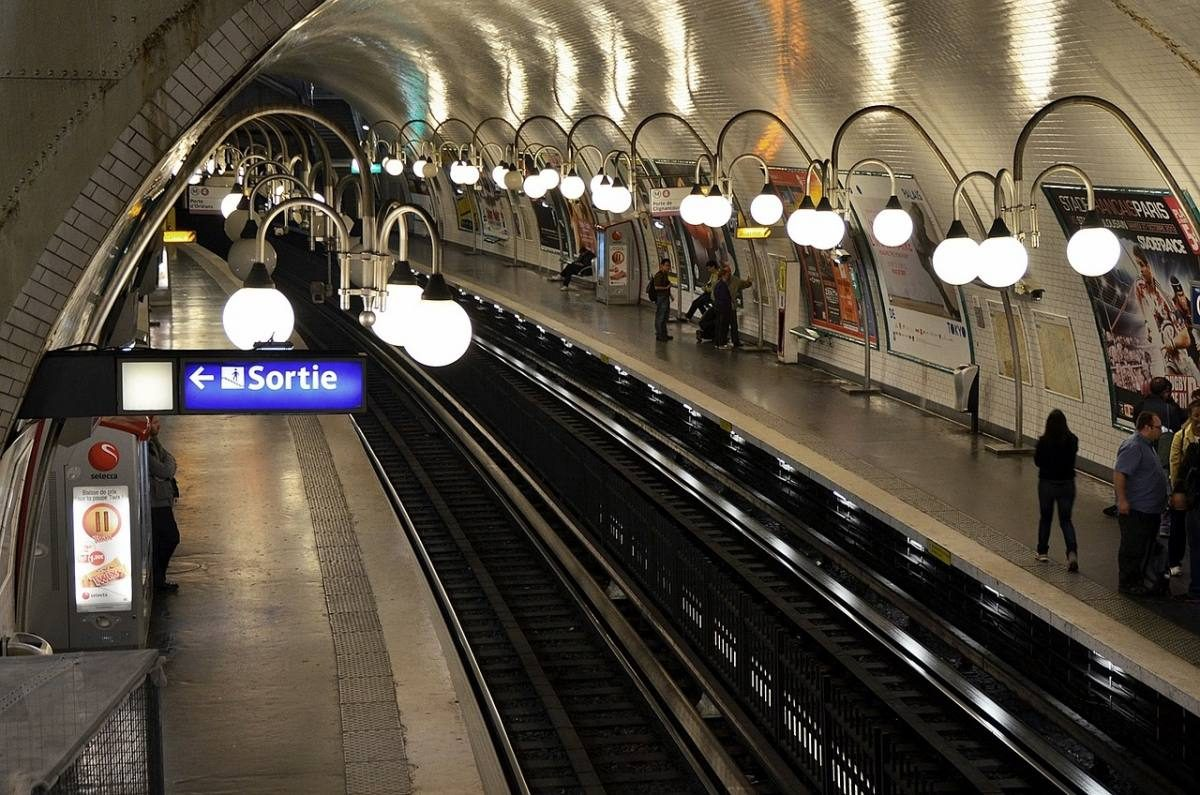 Learn french paris weekend by train