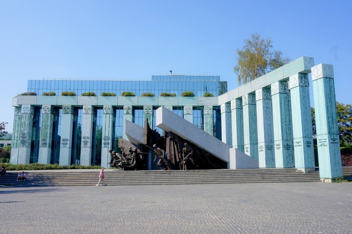 monuments in warsaw