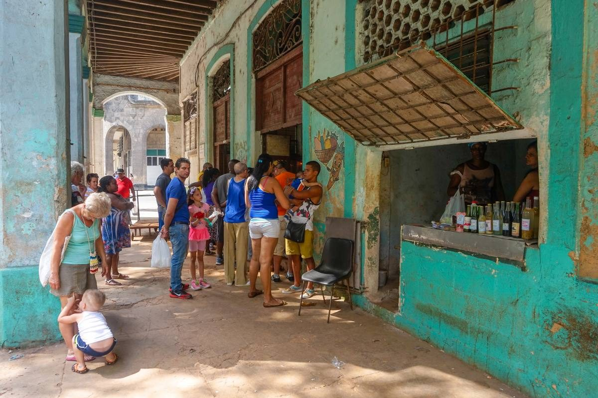 Line to the store in Havana
