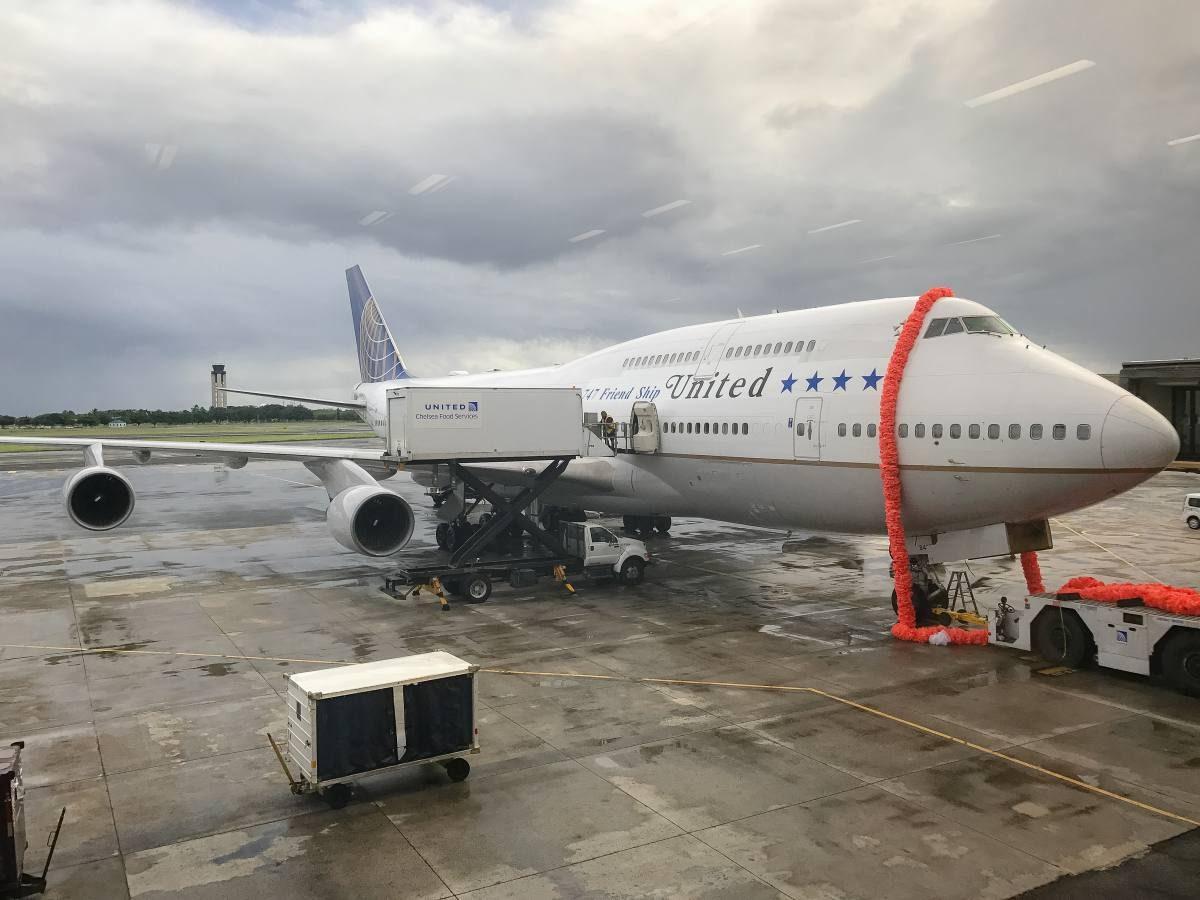 United 747 farewell Honolulu