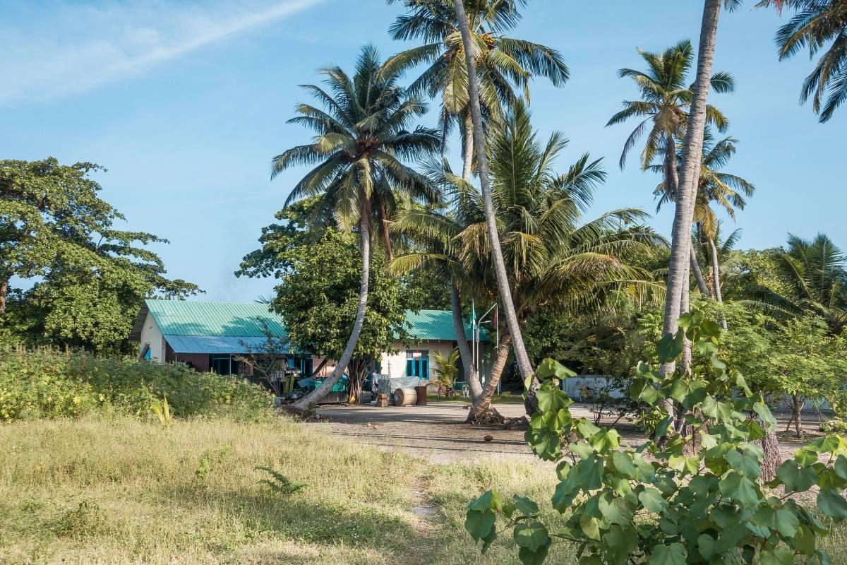 Maalhos Island