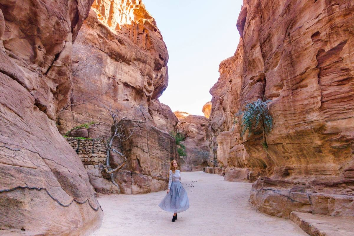 finest selection ec4b8 e6cc2 Essential Tips for Visiting Petra in Jordan   Anna Everywhere