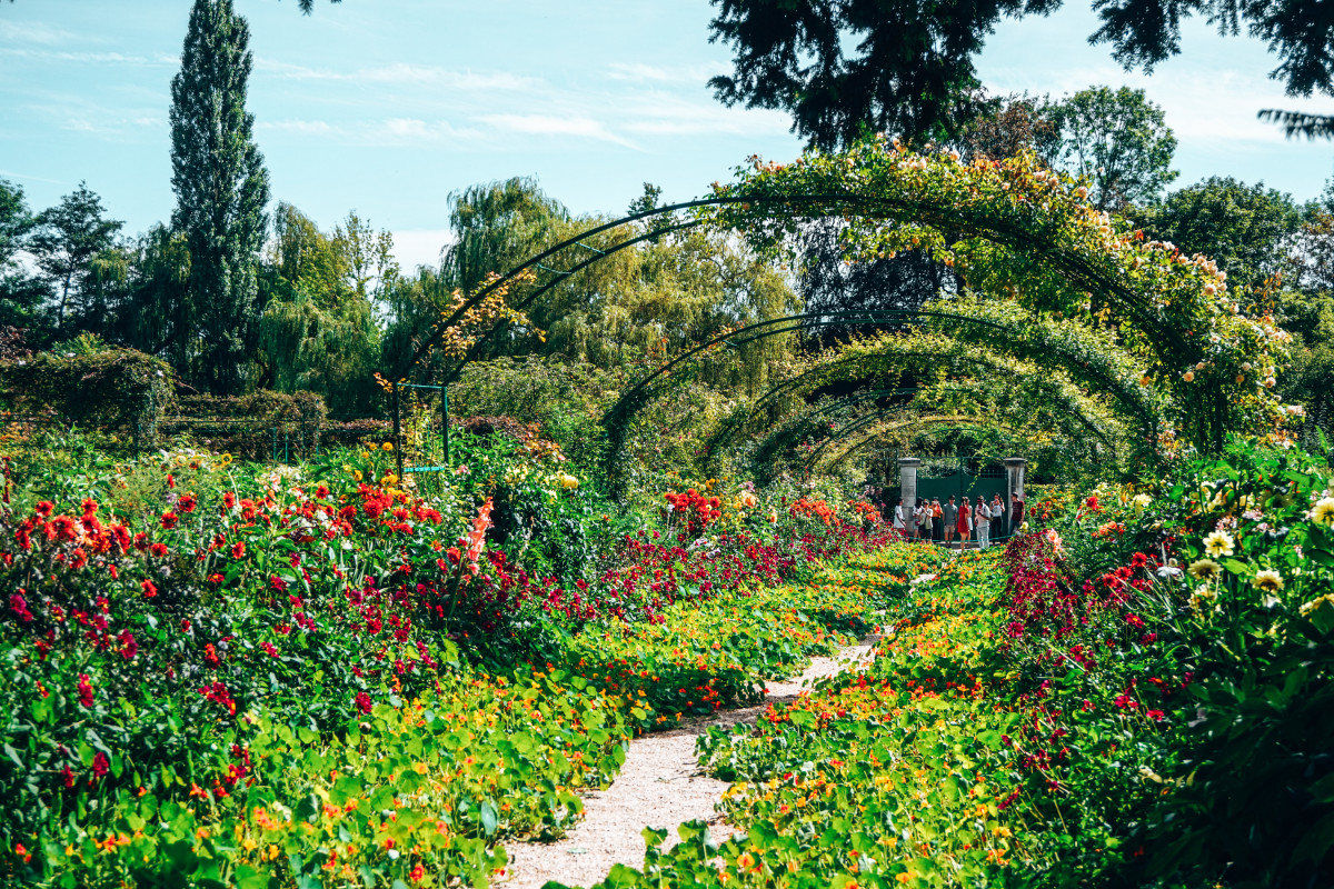 When to Visit Giverny?