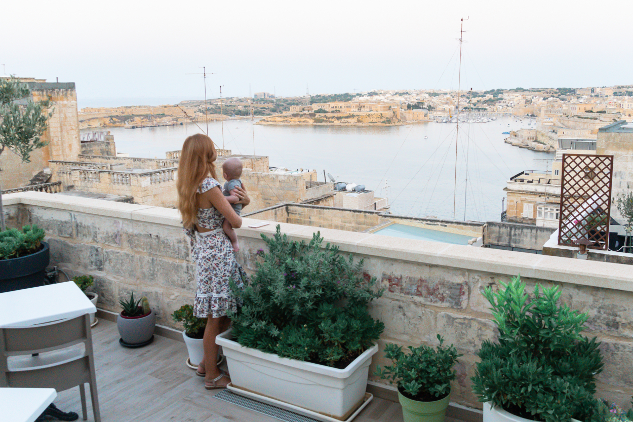 baby travel Malta
